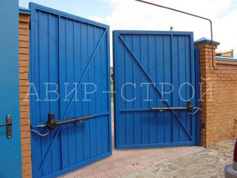 Распашные ворота 4000 на 2500 односторонней обшивкой и с автоматикой